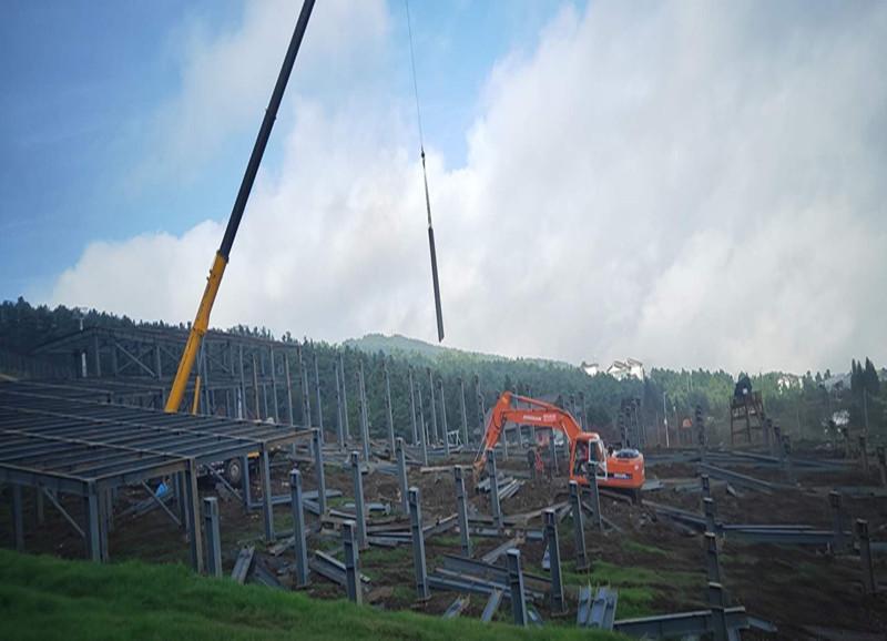 贵州六盘水滑雪场旱雪道钢结构工程